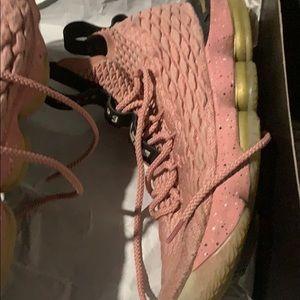 Nike Shoes - Lebron 15 pink used